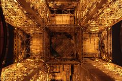 Tour Eiffel (Toni Kaarttinen) Tags: moon paris france tower metal night lights evening frankreich eiffeltower frana landmark eiffel toureiffel frankrijk prizs francia iledefrance parijs parisian pars  parigi frankrike  pary   francja ranska pariisi  franciaorszg  francio parizo  frana