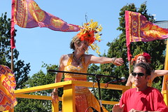 Float Dancer (Chicago John) Tags: seattle fair fremont parade solstice 2015 fremontfair