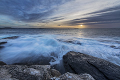 Sunset, Fjøløy - D8E_8713 (Viggo Johansen) Tags: sunset sky clouds sea ocean waves rocks coast shoreline fjøløy rogaland