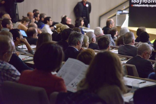 2016-11-23 - TEDxIssy-03 - Amphi (14h33m25)