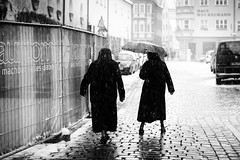 careful walk (Sandy...J) Tags: street streetphotography urban snowfall walk blackwhite bw sw monochrom people photography