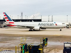 (reezy87) Tags: americanairlines american aa aal boeing airbus mcdonnelldouglas chicago chicagoohare ohare ord kord airport airline oneworld ohareairport