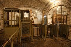 Estacin - Museo Chamber (Hugo Daz-Regan) Tags: madrid city underground subway metro ciudad museo hdr abandonado