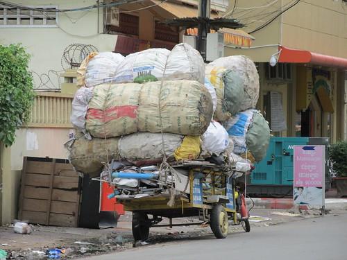 Un peu surchargé non? Phnom Penh, Cambodge