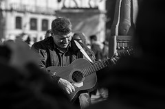 Playing for his audience (hector_cbs) Tags: guitarrist guitarplayer music guitar player audience