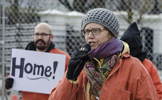 Josie Setzler Tells the Story of a Guantánamo Detainee Outside the White House