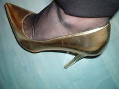 IM007441 (grandmacaon) Tags: escarpins hauttalon highheels pumps lowcutshoes toescleavage