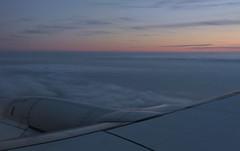 le coucher prolong (laetitiablableuse) Tags: sunset sky cloud nature plane soleil fly europe poetry glory coucher eire lovers ciel vol nuage avion vues irlande
