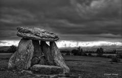 Sorginetxe (Sergio Nevado) Tags: white black blanco negro cielo alava vasco euskadi pais piedras dolmen araba sorginetxe salvatierra agurain