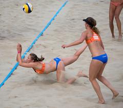 O6290515 (roel.ubels) Tags: beach sport beachvolleyball volleyball wk volleybal apeldoorn beachvolleybal 2015 fivb topsport