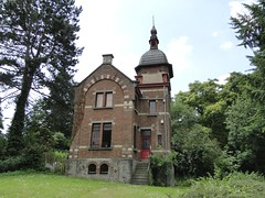 Building at the entrance of the Dudenpark (Joop van Meer) Tags: vorst 2015 gr12 dudenpark