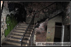 Pump House (BB Harries Photography) Tags: pumphouse oldpumphouse old left rotting rot decaying decay photography photo markings marks writing steps step banister ruined peeling peelingpaint abandoned mistreated derelict brick green black staircase stairs burns dark graffiti