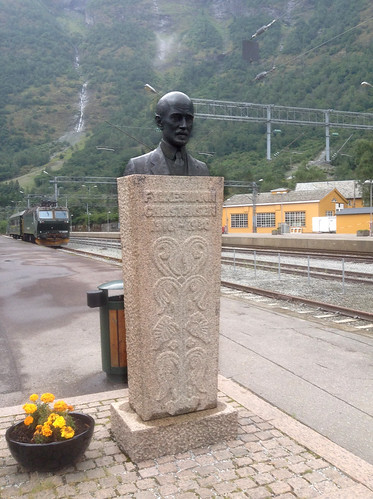 Bust of Ingolf Elster Christensen, Flåm