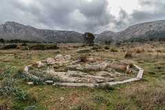 S´Aigua Dolça (Fortimbras) Tags: dolmen prehistoria mallorca yacimiento arqueologia archeology site ruins tokinaaf1224mmf4