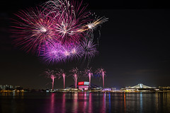 28th SEA Games Fireworks Display, Open Ceremony, Singapore Sports Hub (gintks) Tags: reflection sparkles singapore fireworks singapur kallang nicoll singaporetourismboard kallangwave gintaygintks