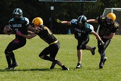 tackle_the_runner