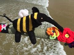 Elephant Bee (Munki Munki) Tags: flowers elephant beach wool pier alice bee yarn knitted wonderland sys throughthelookingglass lewiscarroll saltburn johntenniel yarnbombers yarnstormers