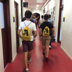Lab tours and microscope fun @sydney_uni... (Your way to higher education) Tags: students chemistry geography geology agriculture biology compass sydneyuni indigenous sciencestuff anythingyoulike sciencefun futurestudents uploaded:by=flickstagram wmbb2015 instagram:photo=8959971177714138801434600637 sydneycompass