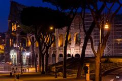 Moviment nocturn en el circ etern. (.carleS) Tags: rome roma canon eos colisseum colosseo coliseu 2015 amfiteatre 60d caeduiker