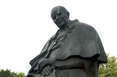 In Toruń (blokkadeleider) Tags: toruń paus pope pabst województwokujawskopomorskie polen poland polska standbeeld statue