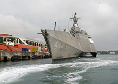 170103-N-WV703-159 (U.S. Pacific Fleet) Tags: usscoronado lcs4 littoralcombatship royalpunch crownofthefleet crowntown desron7 destroyersquadron7 ctf73 pacificocean changi asiapacificrebalance singapore navy sailors usn maidendeployment