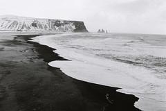 la plage noire de Vik (asketoner) Tags: beach black sand lava sea ocean waves rocks cliffs far away iceland vik fingers witch dark winter cold