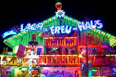 Funhouse (farmspeedracer) Tags: light house night germany munich fun fairground haus spot lach freu