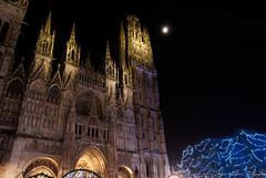2016 12 09 DSC_0119 (agnèsleclerc) Tags: cathédrale rouen nuit lune marché de noël architecture monuments