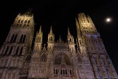 2016 12 09 DSC_0093 (agnèsleclerc) Tags: cathédrale rouen nuit lune marché de noël architecture monument