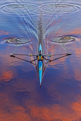 Just passing through (»WOLFE«) Tags: river rower rowing york rnbouse ouse boat kayak canoe water cloud clouds sky red pink blue nikond600 85mm 18 rowingboat ripple ripples reflection reflections symmetry