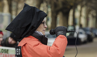 Sherrill Hogan Tells the Story of a Guantánamo Detainee Outside the White House