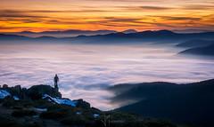 Mar de nubes  en Guadarrama (Javier Martínez Morán) Tags: mar de nubes guadarrama sea clouds fog niebla atardecer sunset ocaso sony alpha 55210 a6000 silhueta paisaje landscape cercedilla navacerrada puerto bola mundo guarramillas