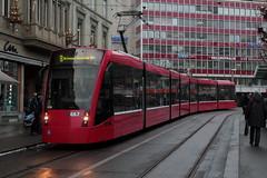 Bernmobil Siemens Combino Tram Be 6/8 XL 667 ( Strassenbahn - Lieferung 2009 - 2010 ) in der Stadt Bern im Kanton Bern der Schweiz (chrchr_75) Tags: albumzzz201701januar christoph hurni chriguhurni chrchr75 chriguhurnibluemailch januar 2017 bernmobil svb strassenbahn sporvogn tram raitiovaunu sporvagn トラム trikk bonde tranvía albumtramvonbernmobil schweiz suisse switzerland svizzera suissa swiss bern berne berna bärn bundesstadt zähringerstadt unesco welterbe stadt city ville altstadt hauptstadt schweizer albumstadtbern meinbern kantonbern stadtbern シティ by 城市 città город stad ciudad chrchr chrigu sveitsi sviss スイス zwitserland sveits szwajcaria suíça suiza
