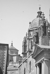 Cúpulas de Toledo I (Leandro Fridman) Tags: arquitectura architecture toledo españa europa blancoynegro blackwhite byn bw nikond60 nikon d60 cúpula edificio