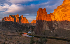 Smith Rock Sunrise in Central Oregon (Cole Chase Photography) Tags: sunrise bend oregon pacificnorthwest crookedriver
