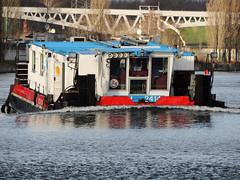 2414 (ENI 05602730) (Parchimer) Tags: schubboot pushboat towboat pousseur pchacz duwboot spintore empurradorfluvial binnenschiff tolómotorhajó pushertug berlin spree