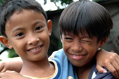friends (Stone.Rome) Tags: boy portrait people cute boys beautiful smile face les kids children kid asia asien gesicht child gente retrato cara portrt kinder nios menschen kind beaut linda asie enfants sonrisa chico enfant hermosa boyhood nio sourire beau niez belleza junge gens visage garon lcheln mignon jungen nett enfance muchachos schn muchacho     knabenalter
