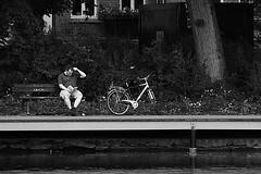 Im Schrevenpark (01) (Rdiger Stehn) Tags: park germany deutschland see wasser europa leute bank menschen teich kiel schleswigholstein norddeutschland mitteleuropa 2015 schrevenpark gewsser schreventeich 2000er canoneos550d