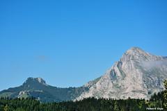 Collado de Ipizte (Howard P. Kepa) Tags: caliza monte montaña arboles niebla anboto collado zabalandi paisvasco euskadi bizkaia arrasatemondragon
