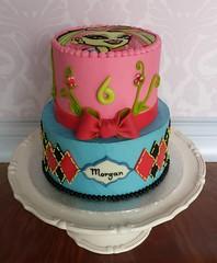 Venus McFly cake (ldeandyment) Tags: pink diamonds limegreen character cartoon birthdaycake bow colourful fondant kidscake monsterhigh venusmcfly