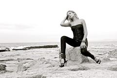 Soledad (delkassel) Tags: sexy mujer chica playa soledad tacones sola solitario cala piedra cuero