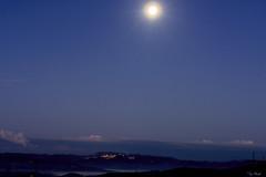 PRIMA DELL' ALBA   ---   BIFORE THE SUNRISE (Ezio Donati is ) Tags: italia italy lazio canalemonterano casa home nikond810 natura nature notte light panorama landscape cielo sky luna moon nuvole clouds nebbia fog blu