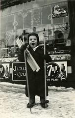 Pierre Lippé, le petit skieur de Noël (Bibliothèque et Archives nationales du Québec) Tags: enfant ski lippé waterloo sherbrooke 7up noël