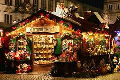 Christmas Market - Bremen, Germany (ME Photography (Moritz Escher)) Tags: christmasmarket longexposure weihnachtsmarkt bremen germany marktplatz canoneos50d canon nacht night lights light beautiful merrychristmas happyxmas froheweihnachten townhall bremerrathaus rathaus