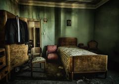 Sleep again...   fragilimemorie.com (lucino66) Tags: lightroom snshdr urbex decay abandoned abbandono decadenza oblio hdr fragilimemoriecom lucapucci indoor italy bedroom villast