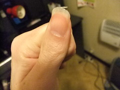 DSCF6275 (ongle86) Tags: sucer ronger ongles doigts mains thumb sucking nails biting fingers licking hand fetish