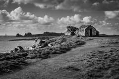 Argenton (petitbol) Tags: bretagne brittany argenton mer nb nadinejimenez bw noiretblanc paysage canoneos7d