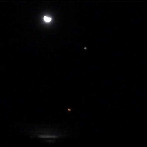 Moon, Venus, Jupiter, Sea