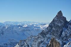 Tra le più alte cime d'europa - Among the highest summits in Europe. (sinetempore) Tags: tralepiùaltecimedeuropa amongthehighestsummitsineurope montebianco montblanc courmayeur puntahelbronner pointehelbronner neve snow montagne mountains alpia alps cime top altitudine altezza roccia rock