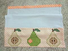 5 (AneloreSMaschke) Tags: bordado tecido xadrez artesanato handmade bordadoxadrez pera